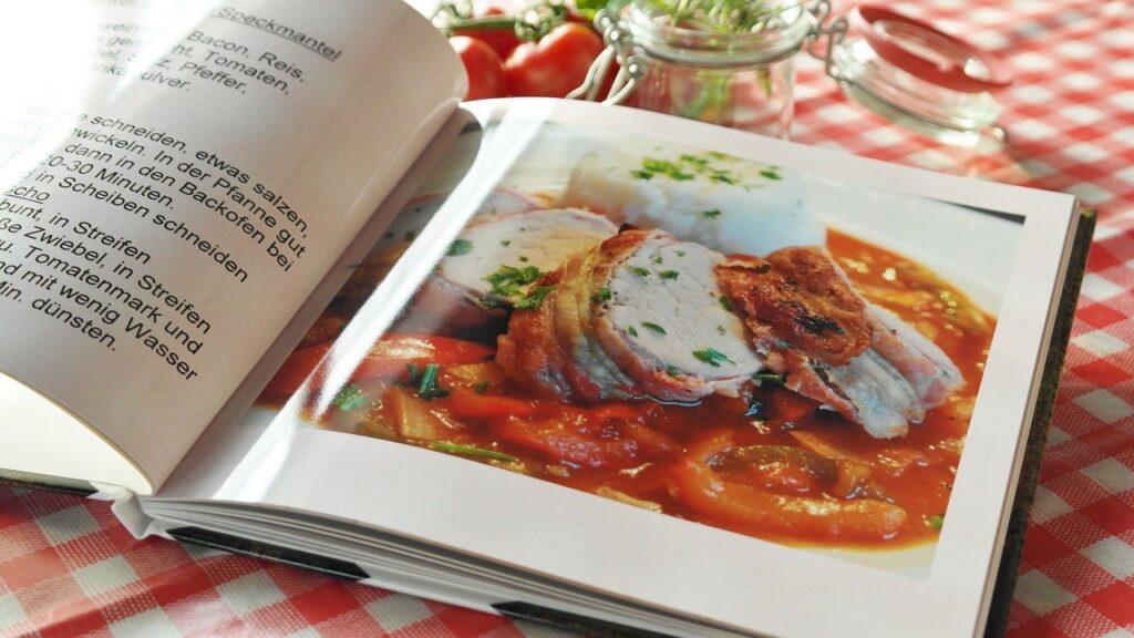 lietuviu parasyta receptu knyga iliustracija